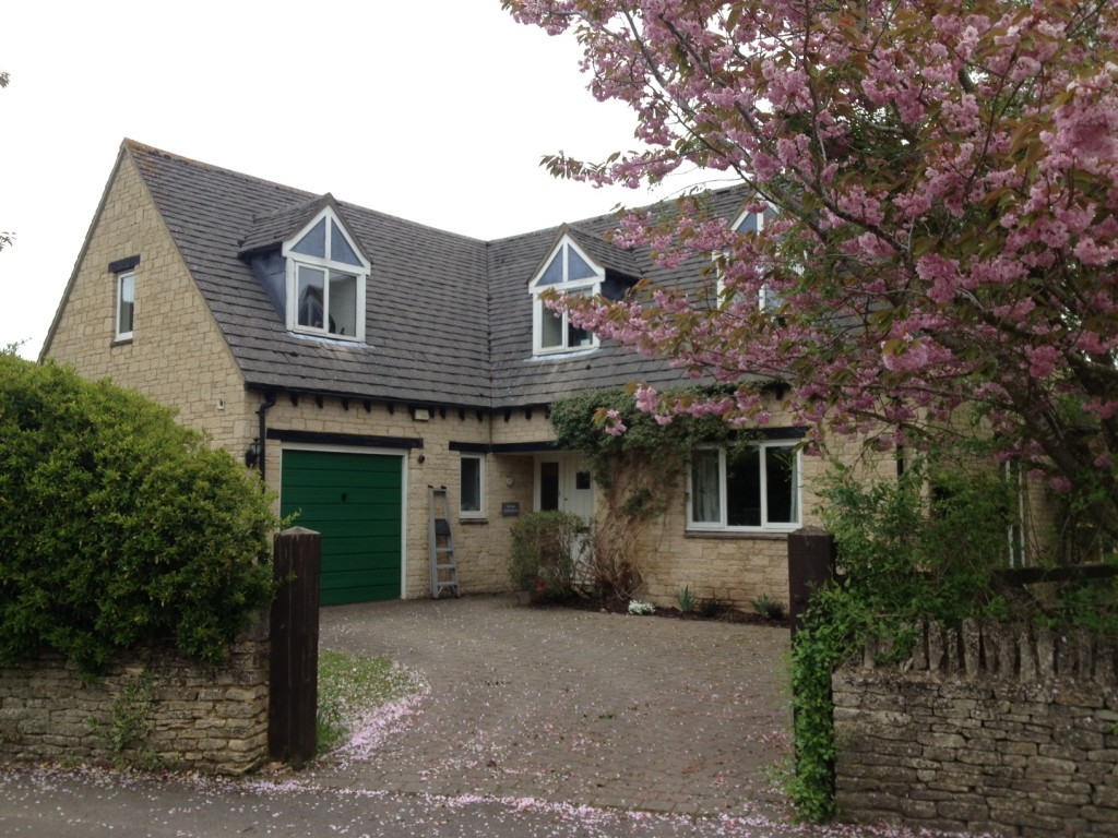 Stonesfield: Individual stone built detached house